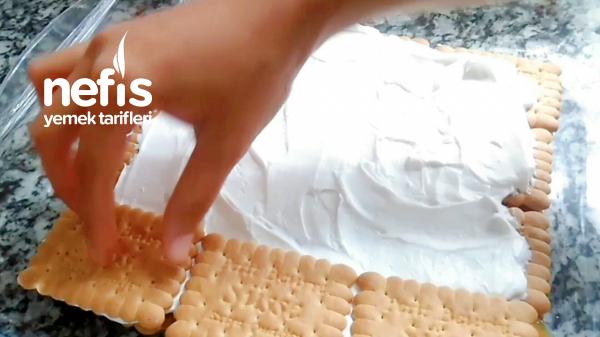 Yaptığım Tarif Özellikle Çok Kolaybisküvili Mandalina Soslu Pasta Tarifı