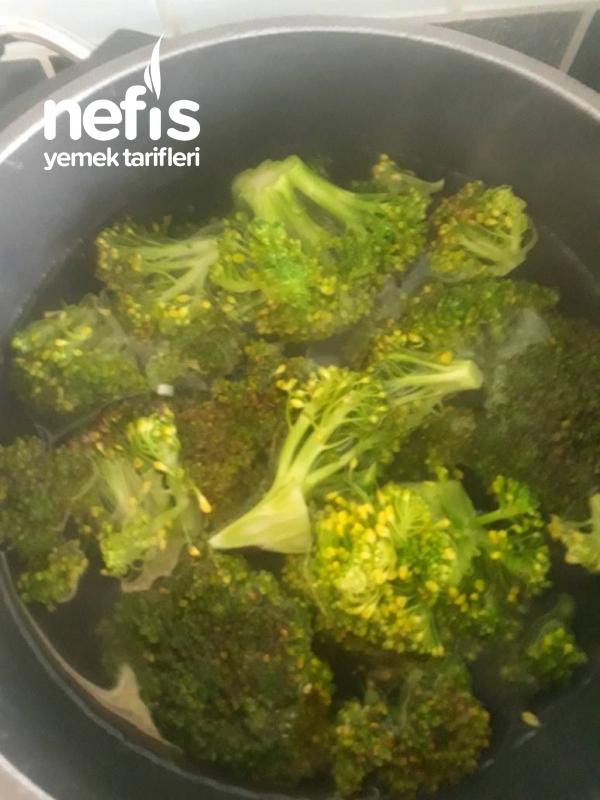 Brokoli Çorbası (Şifa Deposu Çocuklar Bile Lezzetle İçiyor)
