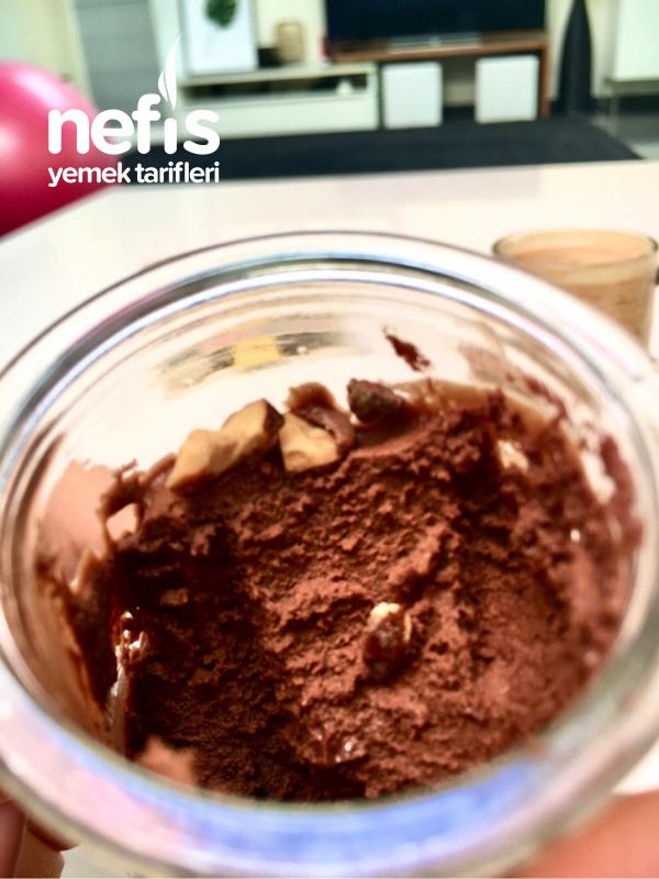 Çikolatalı Mus (Chocolate Mousse)