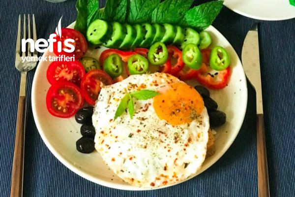 Ekmek Üstü Proteinli Kahvaltı Tarifi