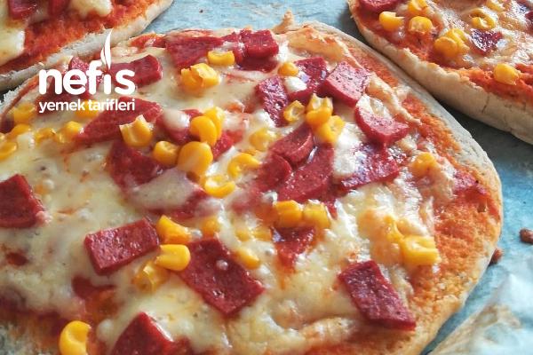 Ev Yapımı Bazlama Pizza Tarifi