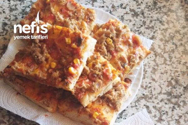 Pizza ( Sucuklu Ve Balıklı ) Tarifi
