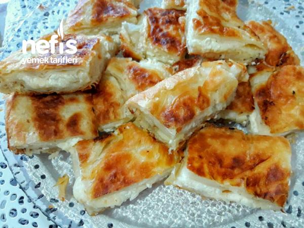 Sulu Tava Böreği (Su Böreği Tadında)