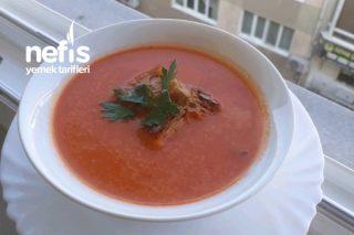 Domates Çorbası (Konserve Domatesle Kışında Domates Çorbası Yapılır ) Tarifi