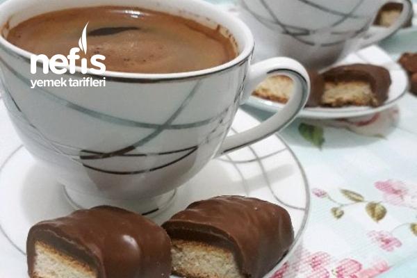Maden Sulu Bol Köpüklü Türk Kahvesi