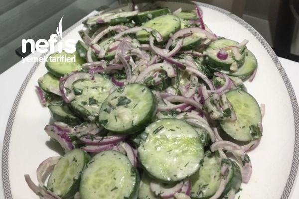 Soğanlı Salata Tarifi