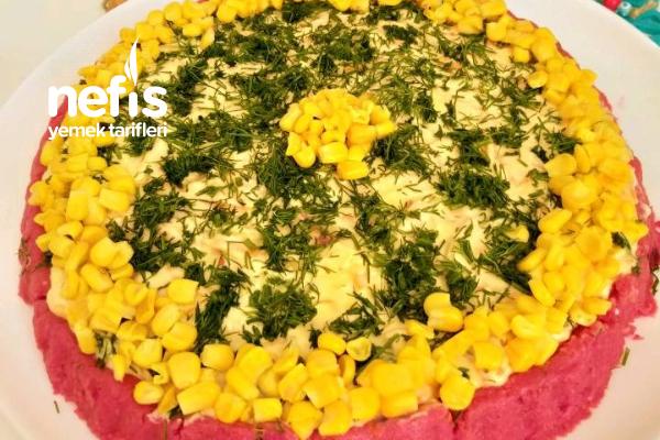 Süslü Salata Tarifi