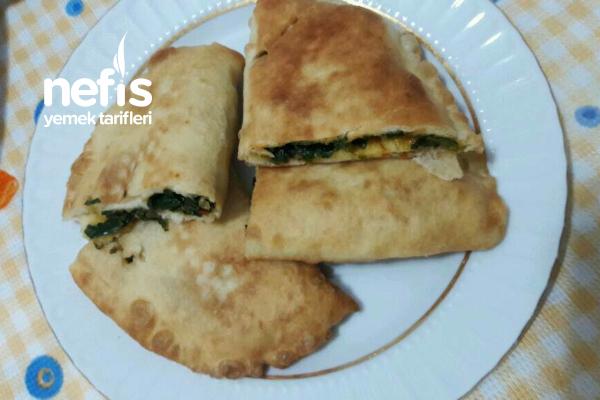 Puf Puf Kabaran Ispanaklı Börek Tarifi
