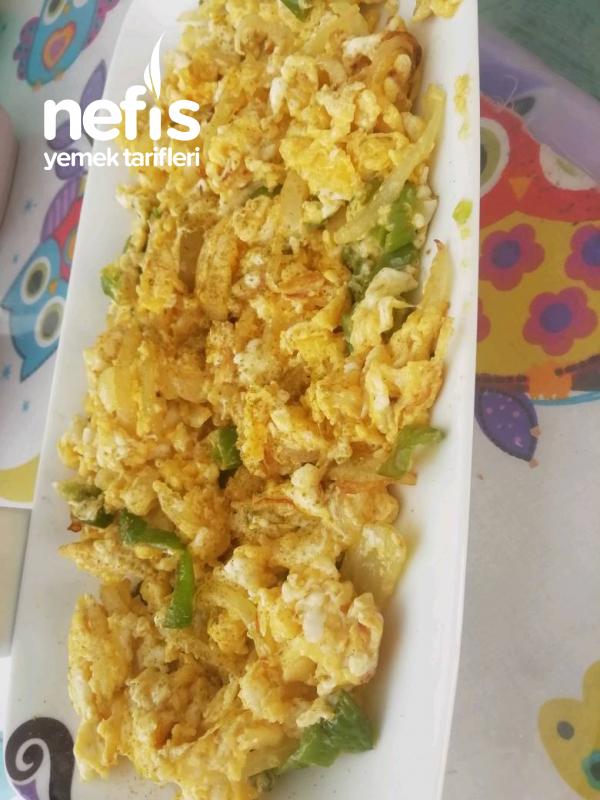 Soğanlı Biberli Omlet