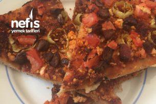 Karışık Pizza Ve Soğan Halkası Tarifi