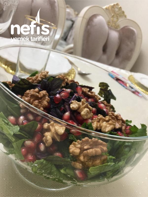 Narlı Cevizli Yeşillik Salata