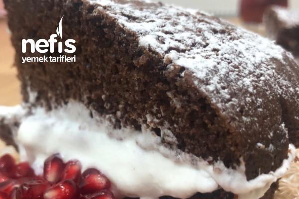 Pasta Kremalı Yumuşacık Kakaolu Kek Tarifi
