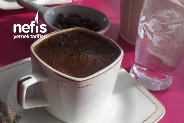 Sodalı Çikolatalı Bol Köpüklü Türk Kahvesi Tarifi
