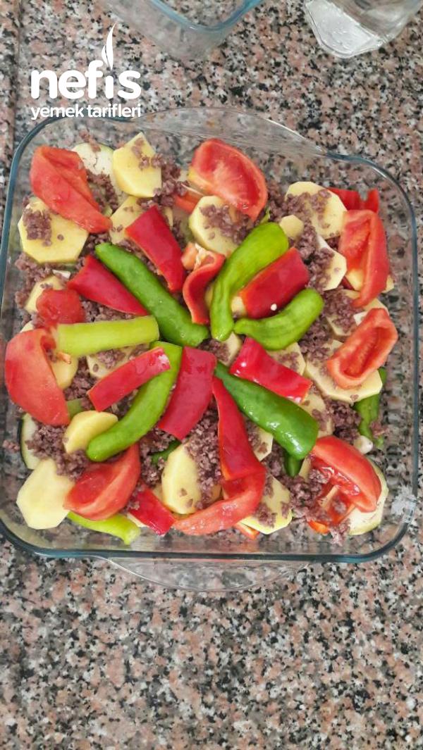 Kıymalı Sebze Kebabı (Mükemmel Bir Kurtarıcı Yemek)