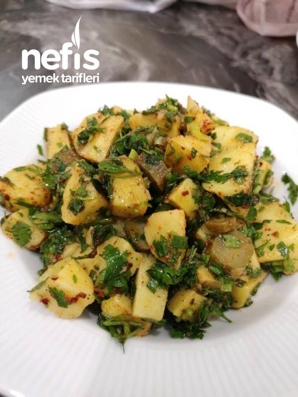 Taze Otlu Patates Salatası