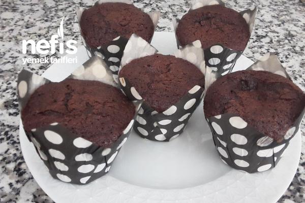 Az Malzemeli Kakaolu Cupcake Tarifi