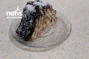 Çilekli Pudingli Piramit Pasta Tarifi