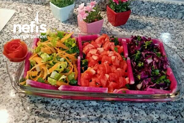 1 Tabakta 3 Salata Tarifi