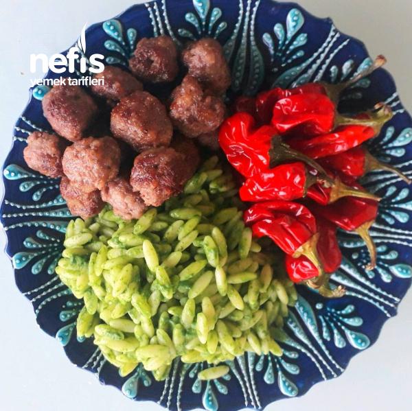Parmesanlı Köfte Ve Pesto Soslu Şehriye