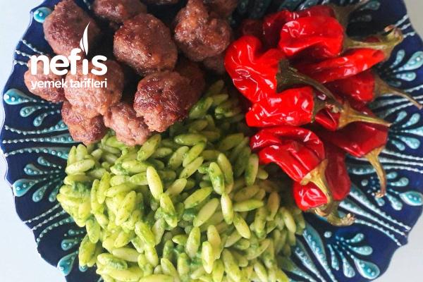 Parmesanlı Köfte Ve Pesto Soslu Şehriye Tarifi