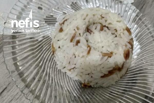 Şehriyeli Pirinç Pilavı Tane Tane Oluyor Tarifi