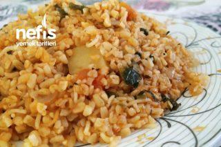 Zeytinyağlı Sebzeli Bulgur Pilavı (Tadına Doyamayacaksınız) Tarifi