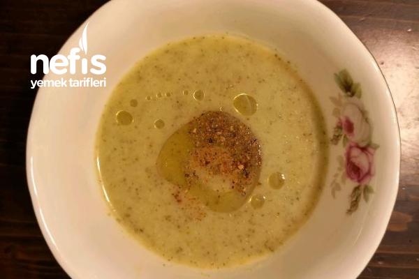 Mis Gibi Brokoli Çorbası (Hastalık Savar) Tarifi