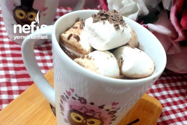 Onsuz Kış Olmaz Marsmelowlu Sıcak Çikolata Tarifi