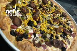 Bol Malzemeli Ev Yapımı Pizza Tarifi