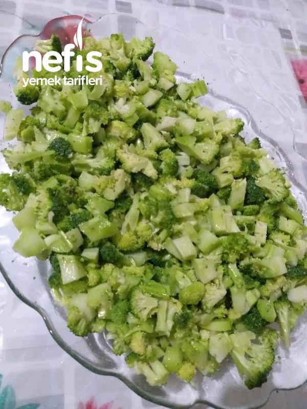 Nefis Brokoli Salatasi