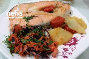 Fırında Tereyağ Ve Zeytinyağlı Harika Somon Balığı Dilimleri Tarifi