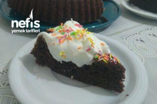 Çikolata Soslu Kremalı Tart Kek Tarifi