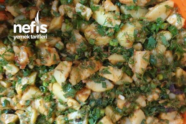 Salçalı Patates Salatası Tarifi
