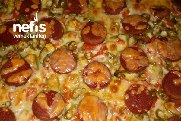 Sucuklu Yada Kavurma Lı Pizza Tarifi