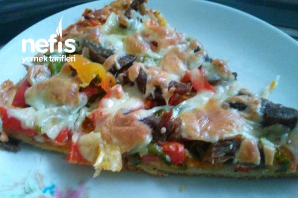 Sucuklu Yada Kavurmalı Pizza Tarifi
