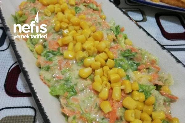 Lahanasız Coleslaw Salatası Tarifi