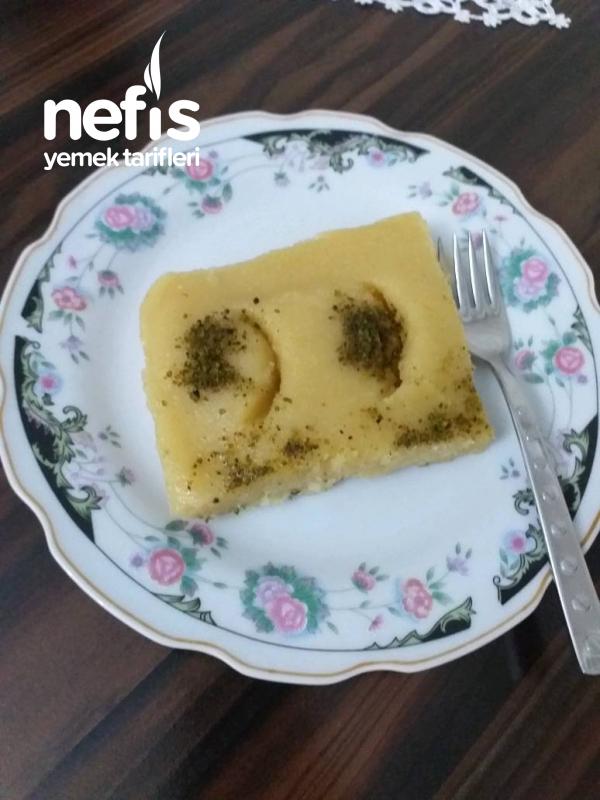 Peynirsiz İrmik Helvası