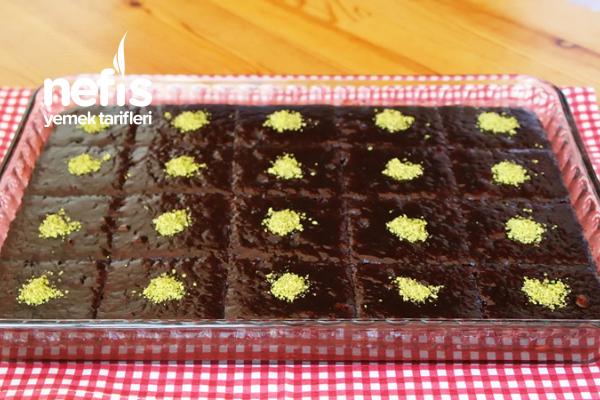 Browni Tadında Islak Kek (videolu)