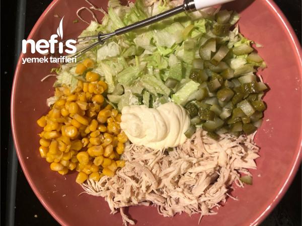 Günlerinizin Vazgeçilmezi Tavuklu Salata