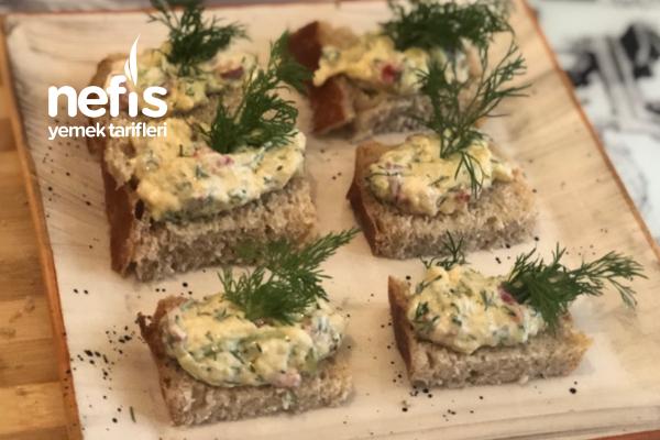 Hafta Sonu Kahvaltınızı Şenlendirin Labneli Sebzeli Kahvaltı Sosu (Videolu) Tarifi