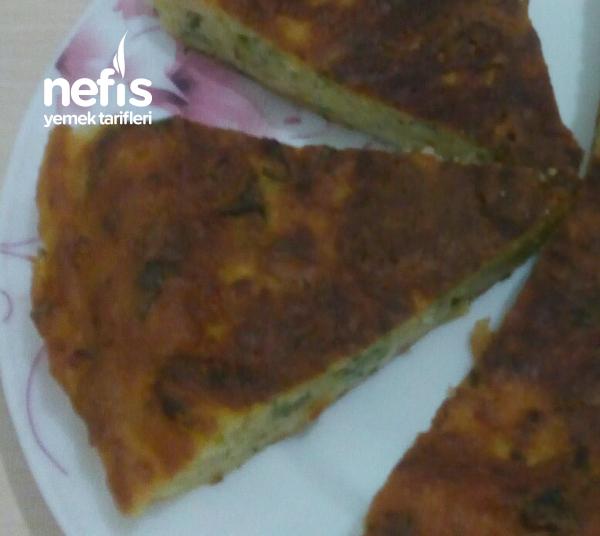 Tavada yumuşacık patetesli börek