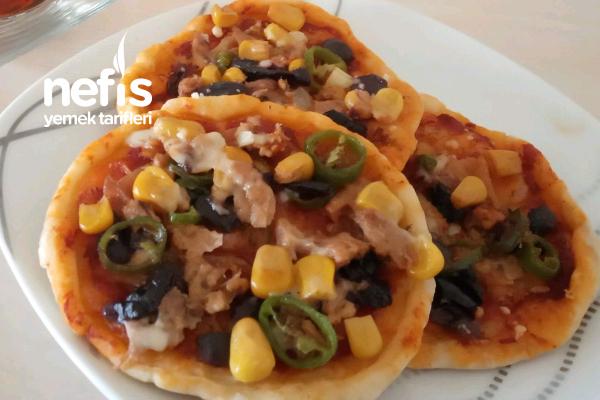Ton Balıklı Mini Pizzalar Tarifi