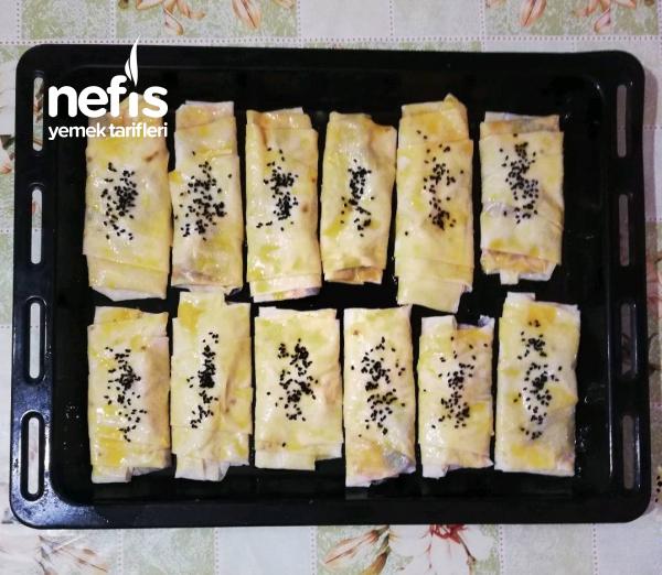 Ispanaklı Kaşar Peynirli Börek