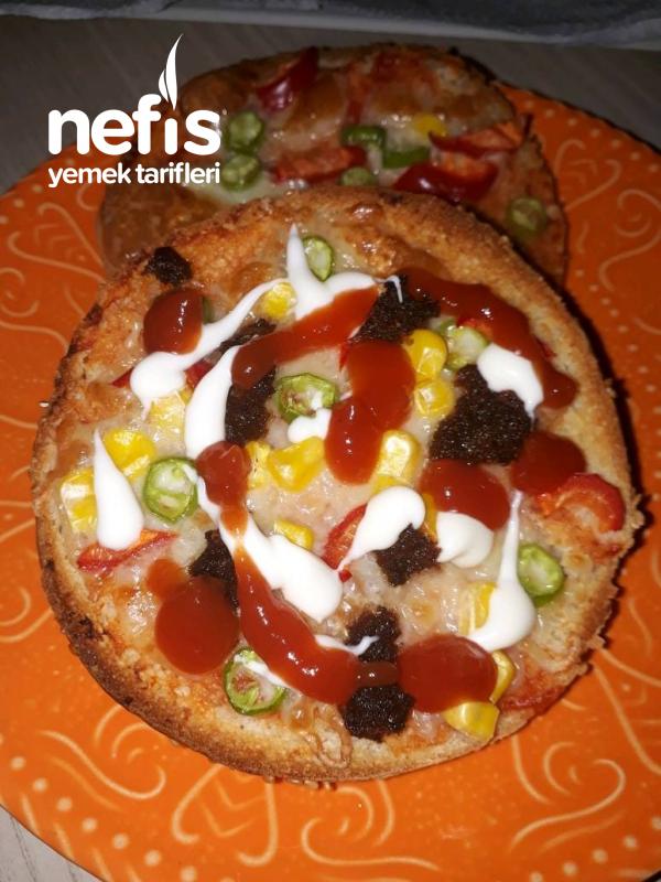 Hamburger Ekmeğinden Kolay Pizza