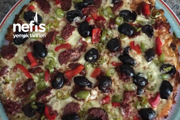 Bayat Ekmekten Pratik Pizza Tarifi