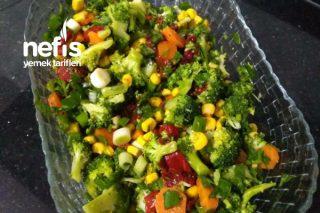 Brokoli Salatası (Brokoli Sevmeyenlerin Bile Beğendiği Tarif) Tarifi