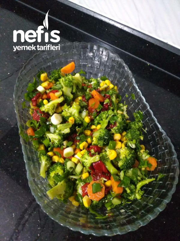 Brokoli Salatası (Brokoli Sevmeyenlerin Bile Beğendiği Tarif)