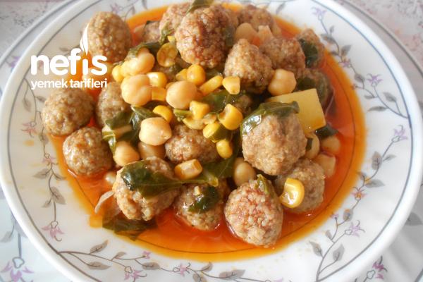 Kara Lahanalı Mısırlı Sulu Köfte Yemeği Tarifi