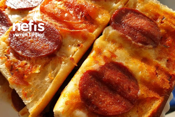 Üstu Açık Peynirli Sucuklu Tost Tarifi