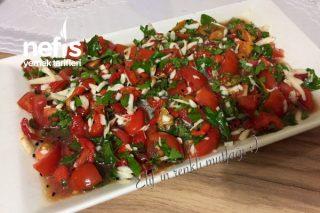 Çöreotlu Sirkeli Köz Biber Salatası Tarifi